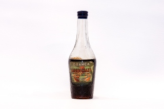 Leggi tutto: Medicinal Brandy / Distilleria: Branca