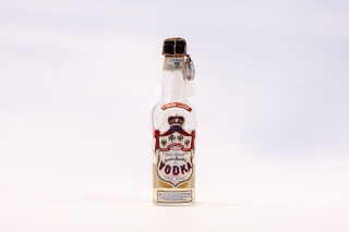 Leggi tutto: Vodka Smirnoff / Distilleria: Cinzano
